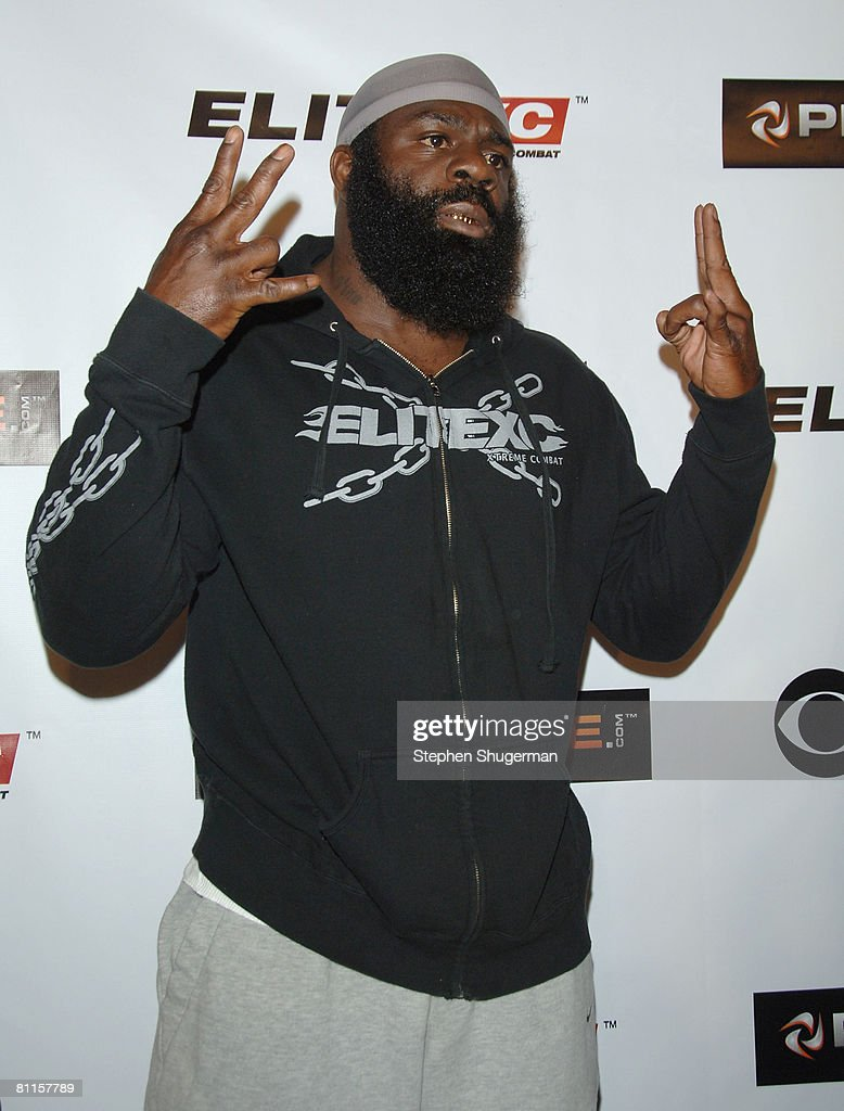MMA fighter <a gi-track='captionPersonalityLinkClicked' href=/galleries/search?phrase=Kimbo+Slice&family=editorial&specificpeople=4623937 ng-click='$event.stopPropagation()'>Kimbo Slice</a> attends CBS's 'Elite XC Saturday Night Fights' Press Conference at CBS Radford Studios on May 19, 2008 in Studio City, California.