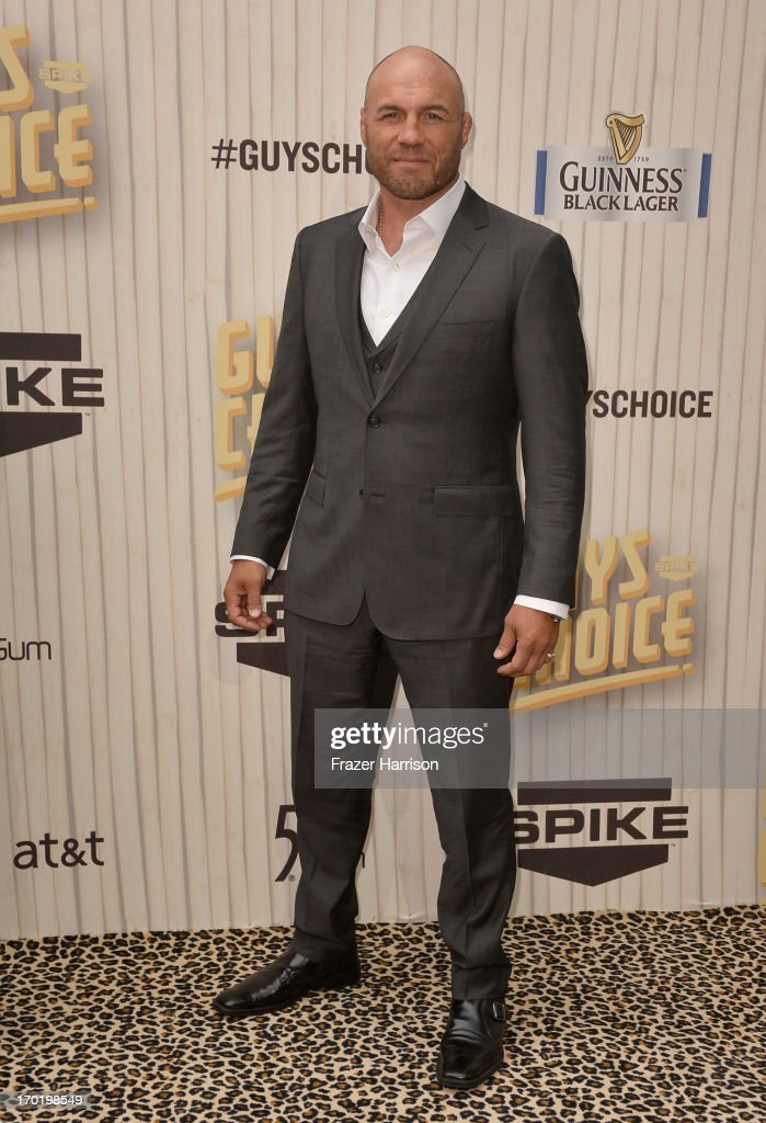 MMA fighter <a gi-track='captionPersonalityLinkClicked' href=/galleries/search?phrase=Randy+Couture&family=editorial&specificpeople=881313 ng-click='$event.stopPropagation()'>Randy Couture</a> attends Spike TV's Guys Choice 2013 at Sony Pictures Studios on June 8, 2013 in Culver City, California.