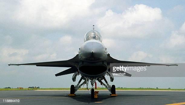 F16 lucha Falcon