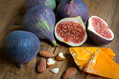 Ripe figs on a wooden table