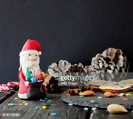 figurine Santa Claus Christmas THE BACKGROUND branches, selective focus : Bildbanksbilder