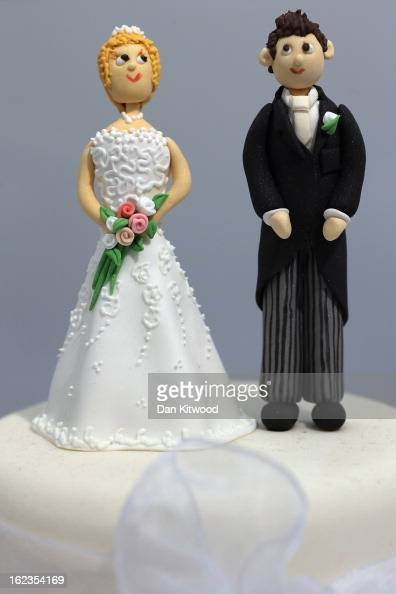 Figurines and displayed on a cake during the National Wedding Show at London's Olympia on February 22 2013 in London England The National Wedding...