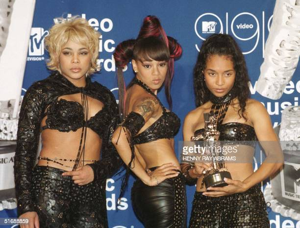 File photo dated 10 September 1999 shows the allfemale group TLC posing with their MTV Video Music Award for Best Group Video for their video 'No...