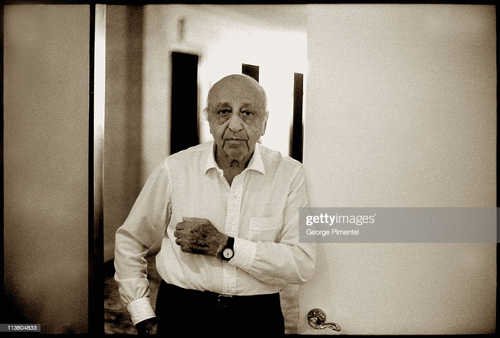 1998 file photo of <a gi-track='captionPersonalityLinkClicked' href=/galleries/search?phrase=Yousuf+Karsh&family=editorial&specificpeople=241481 ng-click='$event.stopPropagation()'>Yousuf Karsh</a> was photographed by George Pimentel at Karsh's studio doorway in the Chateau Laurier Hotel.