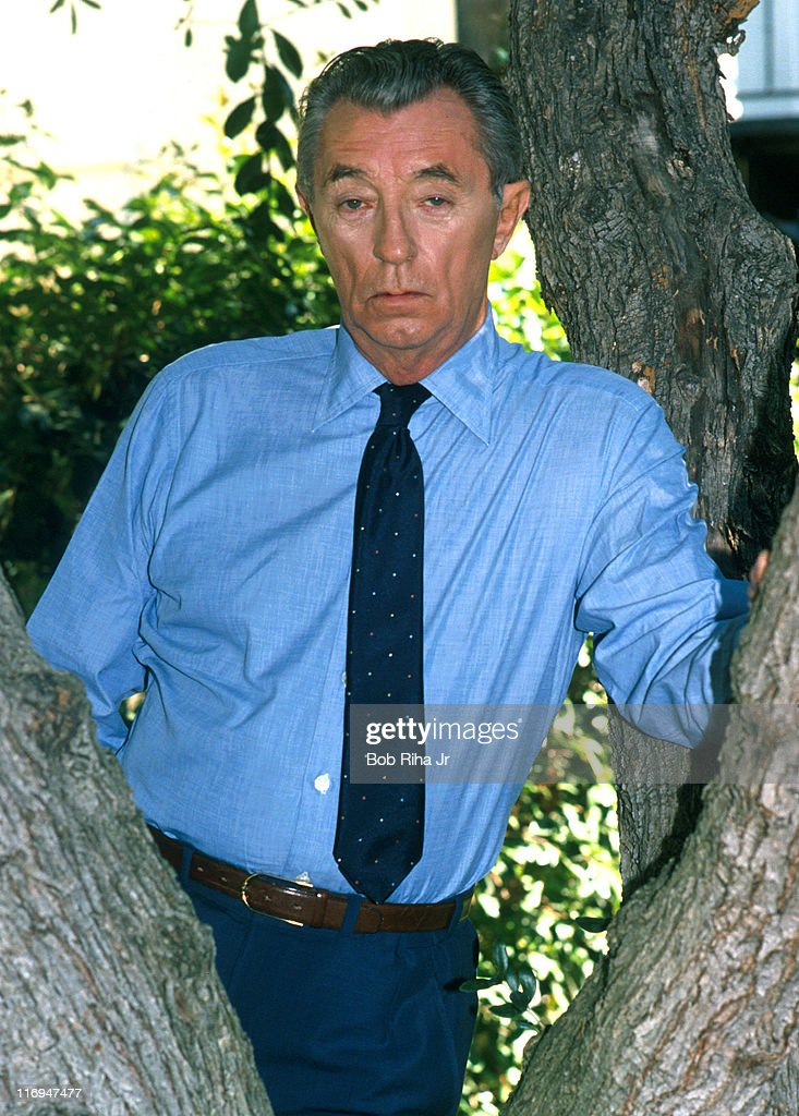 File photo taken 10/18/88 of <a gi-track='captionPersonalityLinkClicked' href=/galleries/search?phrase=Robert+Mitchum&family=editorial&specificpeople=206827 ng-click='$event.stopPropagation()'>Robert Mitchum</a> in Los Angeles, Calif.