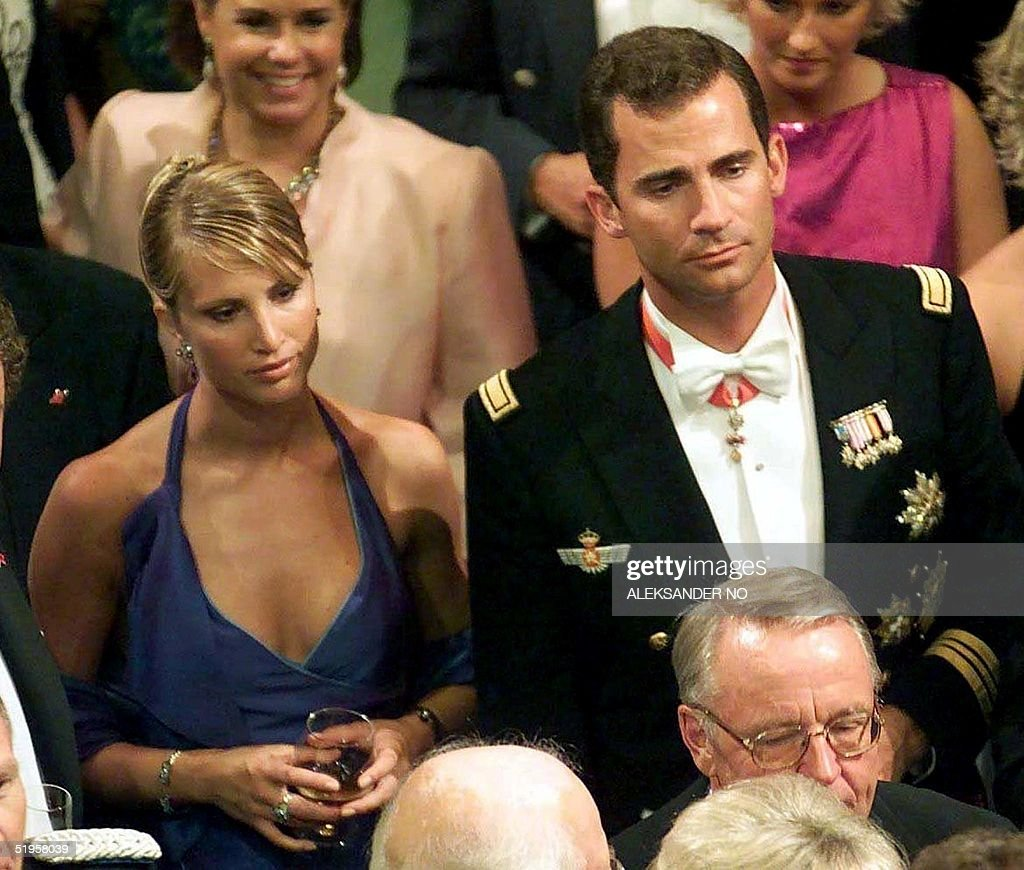 File picture dated 25 August 2001 of Spanish Prince Felipe (R) and his then girlfriend, Norwegian model Eva Sannum (L). The 33-year-old heir to the Spanish throne told journalists Friday, 14 December 2001, he had split up with Sannum. AFP PHOTO PRESSENS BILD FILES/ALEKSANDER NO