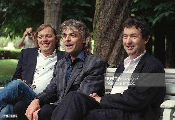 A file picture taken on June 9 1988 shows British Pink Floyd founding member and keyboard player Richard Wright flanked by guitar player David...