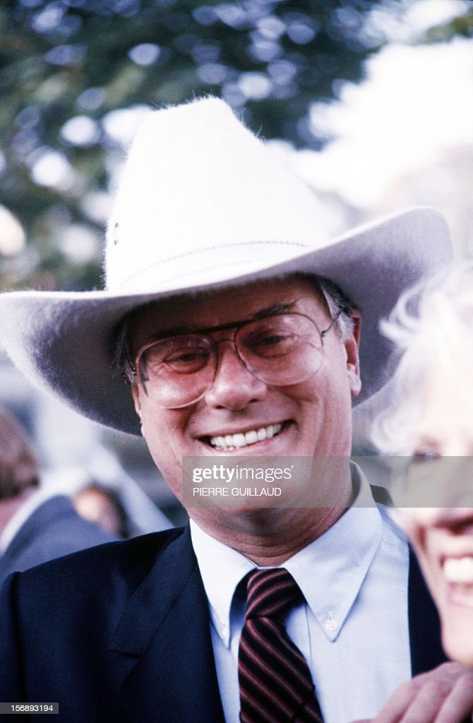 A file picture taken on October 5 1986 in Paris shows US actor Larry Hagman of the TV series 'Dallas' attending the Arc de Triomphe horsing race...