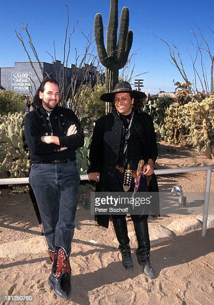 Fileberto Kuru'es Scott Miller neben den Dreharbeiten zur PRO 7 Serie 'Glueckliche Reise ' Folge 15 'USA/Arizona' Episode 1 'Ein Seniorenheim im...