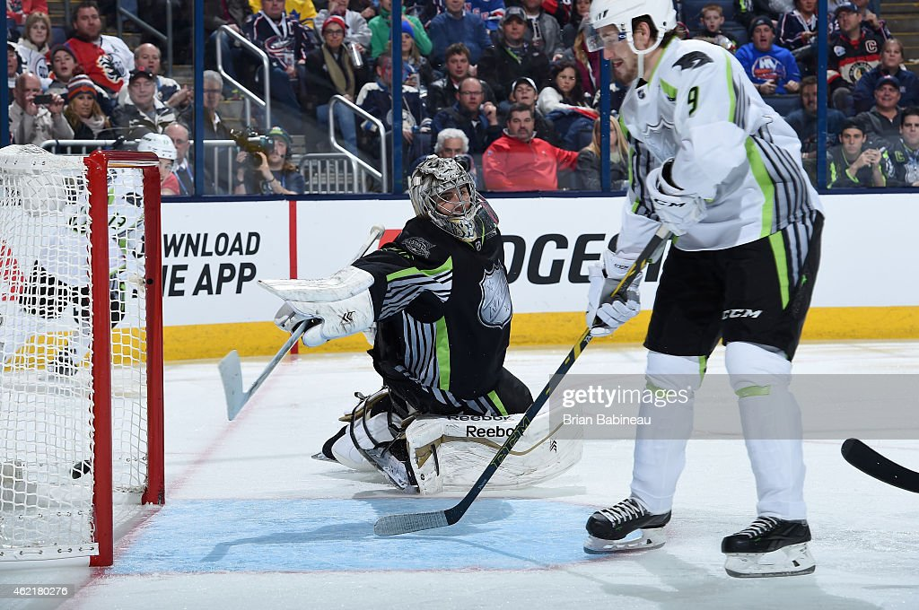 <a gi-track='captionPersonalityLinkClicked' href=/galleries/search?phrase=Filip+Forsberg&family=editorial&specificpeople=8768623 ng-click='$event.stopPropagation()'>Filip Forsberg</a> #9 of the Nashville Predators and Team Toews scores against goaltender Marc Andre-Fleury #29 of the Pittsburgh Penguins and Team Foligno in the second period of the 2015 Honda NHL All-Star Game at Nationwide Arena on January 25, 2015 in Columbus, Ohio.