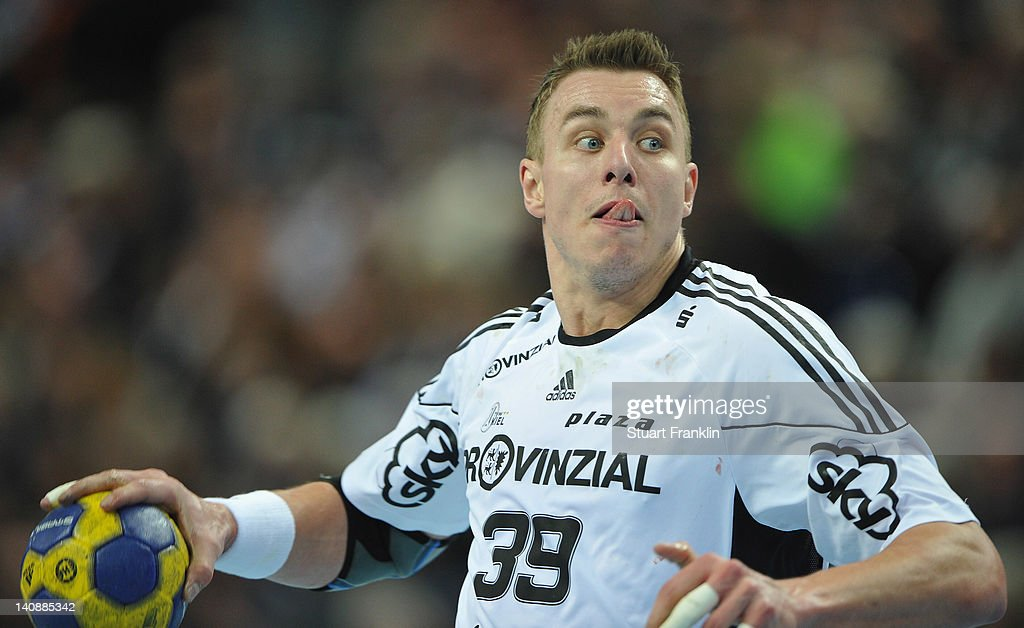 <a gi-track='captionPersonalityLinkClicked' href=/galleries/search?phrase=Filip+Jicha&family=editorial&specificpeople=620584 ng-click='$event.stopPropagation()'>Filip Jicha</a> of Kiel throws a goal during the Toyota Bundesliga match between THW Kiel and HBW Balingen-Weilstetten at the Sparkassen Arena on March 7, 2012 in Kiel, Germany.