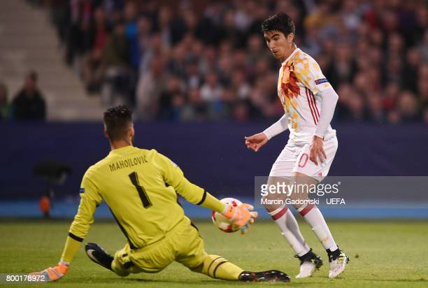 Filip Manajlovic of Serbia and Carlos Soler of Spain during their UEFA European Under21 Championship 2017 match on June 23 2017 in Bydgoszcz Poland