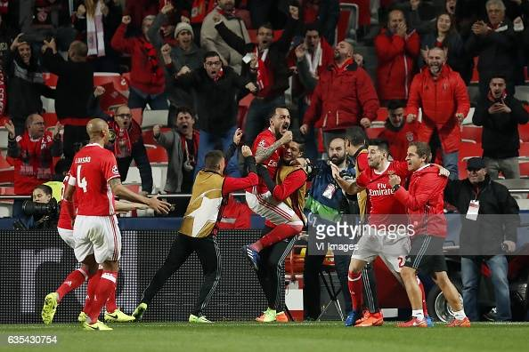 UEFA Champions League'SL Benfica v Borussia Dortmund' : News Photo