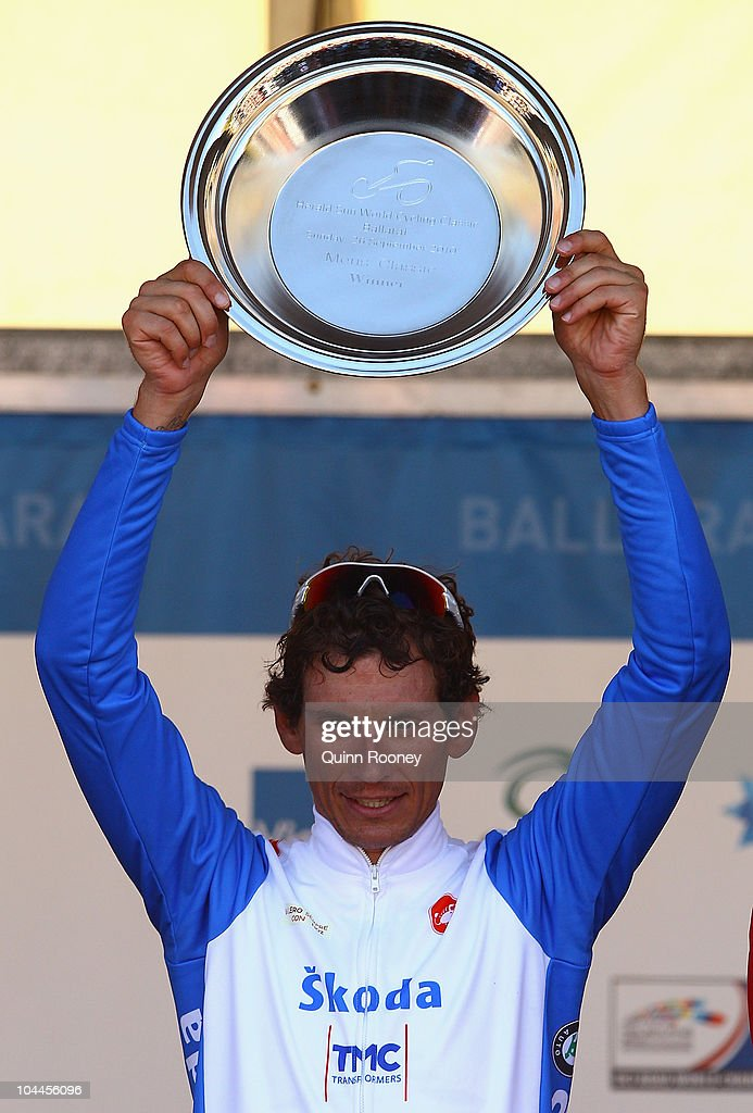 <a gi-track='captionPersonalityLinkClicked' href=/galleries/search?phrase=Filippo+Pozzato&family=editorial&specificpeople=702897 ng-click='$event.stopPropagation()'>Filippo Pozzato</a> of Italy holds the trophy aloft after winning at the Herald Sun World Cycling Classic on September 26, 2010 in Ballarat, Australia.