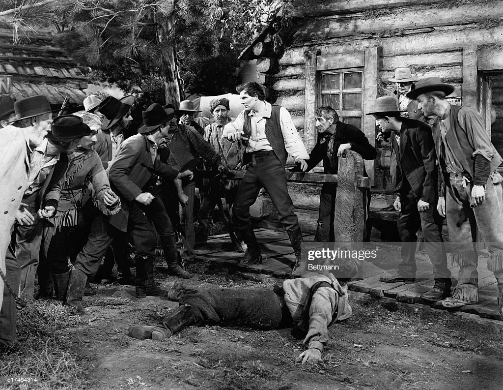 Abraham Lincoln Bio Walter Huston As Abraham Lincoln In Fight Pictures Getty Images