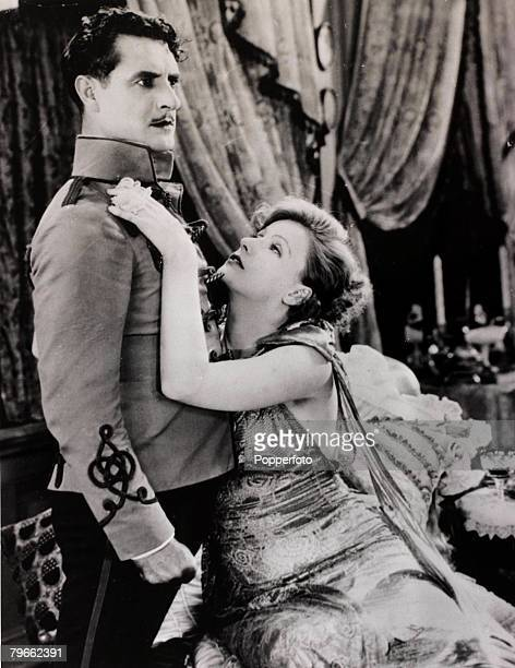 1927 Film actors Greta Garbo and John Gilbert in a scene from the film 'Flesh and the Devil'