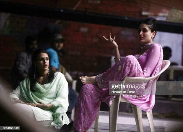 Film Chup Chup Ke Neha Dhupia and Kareena Kapoor on the sets