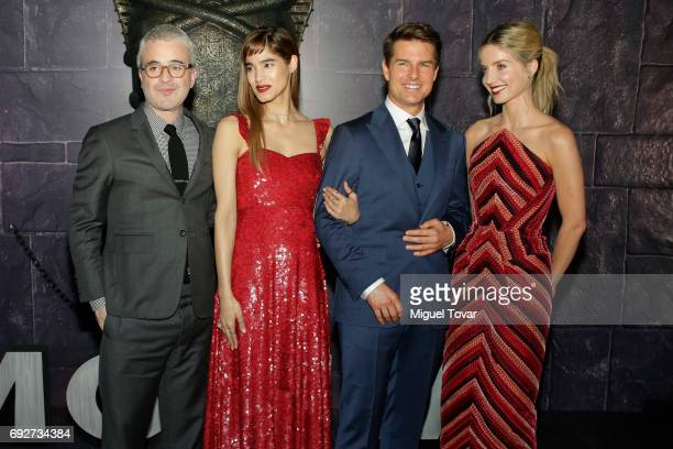 US film director and producer Alex Kurtzman Sofia Boutella Tom Cruise and Annabelle Wallis pose for pictures during 'The Mummy' red carpet at Soumaya...