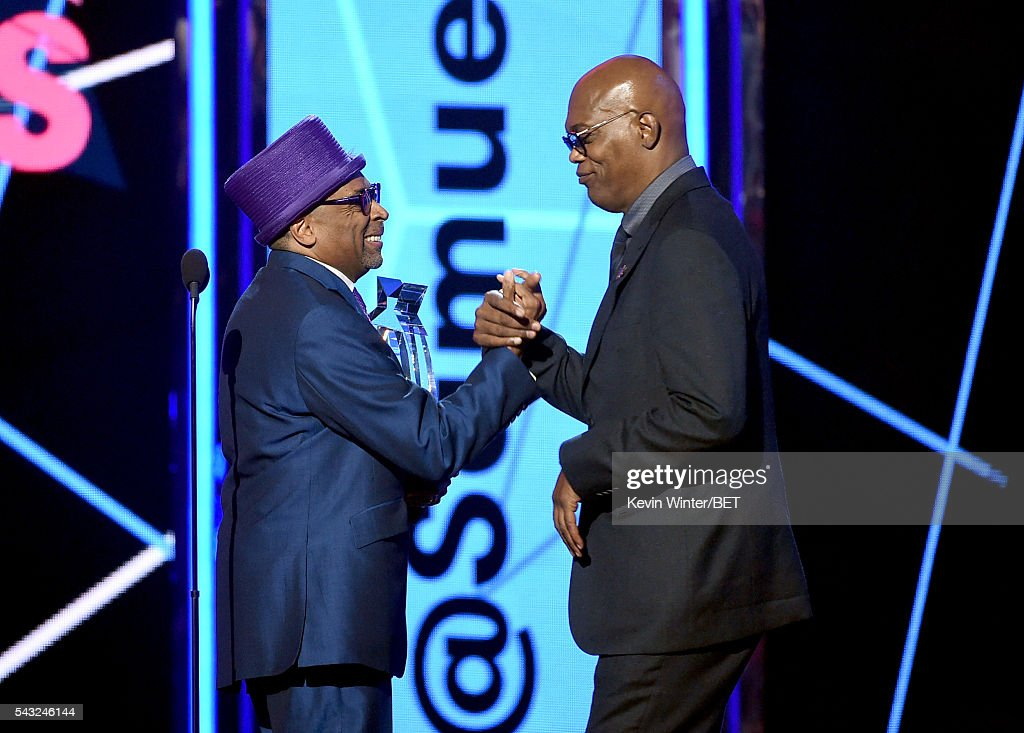 Film director/producer <a gi-track='captionPersonalityLinkClicked' href=/galleries/search?phrase=Spike+Lee&family=editorial&specificpeople=156419 ng-click='$event.stopPropagation()'>Spike Lee</a> (L) presents the Lifetime Achievement Award to honoree <a gi-track='captionPersonalityLinkClicked' href=/galleries/search?phrase=Samuel+L.+Jackson&family=editorial&specificpeople=167234 ng-click='$event.stopPropagation()'>Samuel L. Jackson</a> onstage during the 2016 BET Awards at the Microsoft Theater on June 26, 2016 in Los Angeles, California.