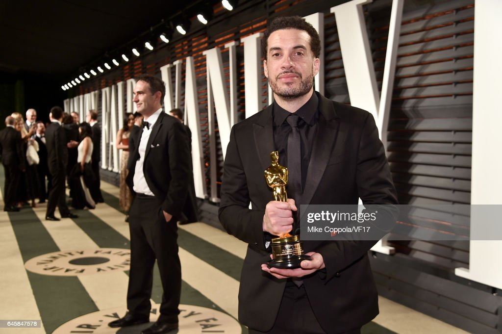 Filmmaker Ezra Edelman attends the 2017 Vanity Fair Oscar Party hosted by Graydon Carter at Wallis Annenberg Center for the Performing Arts on February 26, 2017 in Beverly Hills, California.