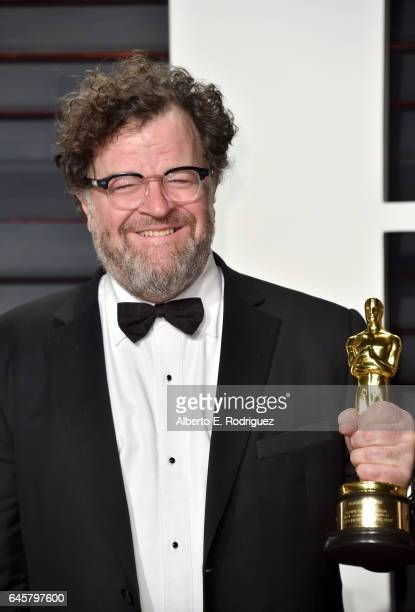 Filmmaker Kenneth Lonergan attends the 2017 Vanity Fair Oscar Party hosted by Graydon Carter at Wallis Annenberg Center for the Performing Arts on...