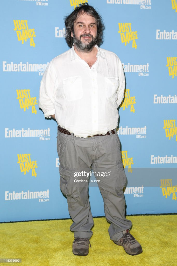 Filmmaker <a gi-track='captionPersonalityLinkClicked' href=/galleries/search?phrase=Peter+Jackson+-+Filmmaker&family=editorial&specificpeople=203018 ng-click='$event.stopPropagation()'>Peter Jackson</a> arrives at Entertainment Weekly's Comic-Con celebration at Float at Hard Rock Hotel San Diego on July 14, 2012 in San Diego, California.
