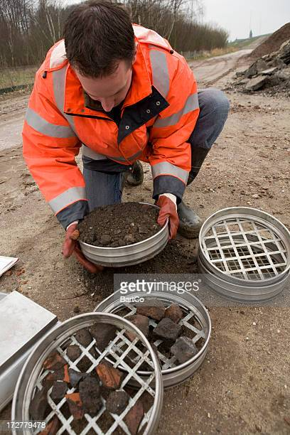 Filtering soil samples which polluted