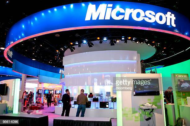Final preparations continue on the Microsoft Corp booth during the 2010 International Consumer Electronics Show in Las Vegas Nevada US on Wednesday...