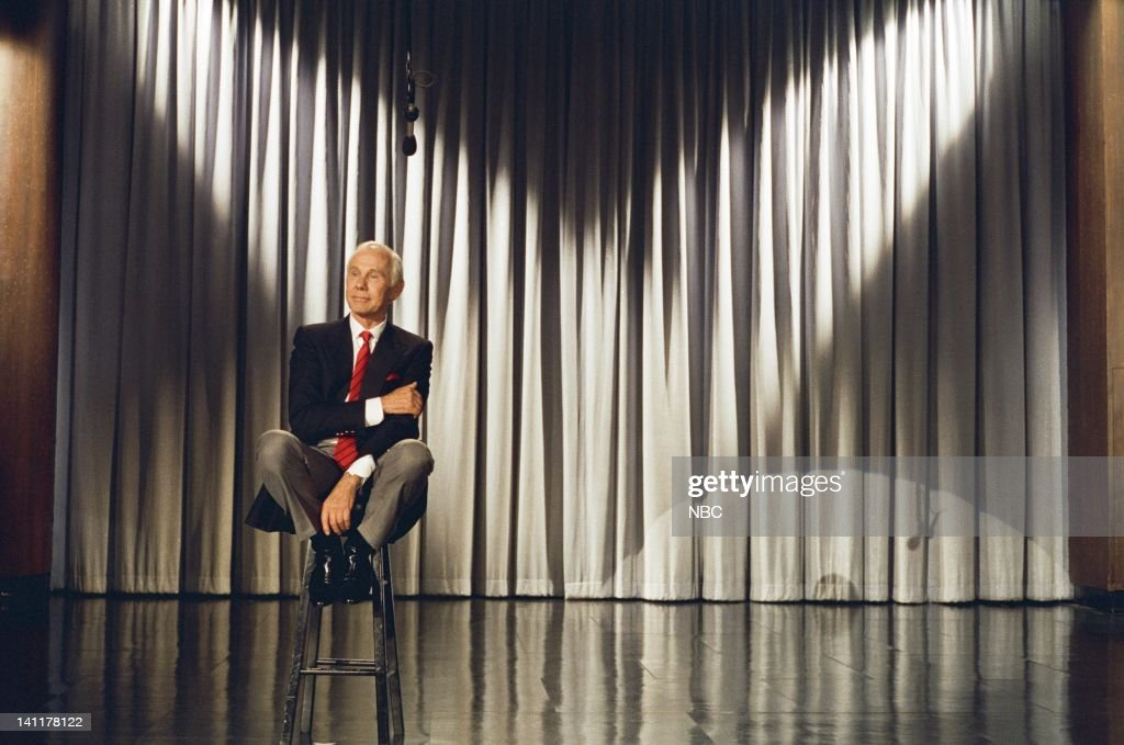 CARSON -- 'Final Show' Air Date -- Pictured: Host <a gi-track='captionPersonalityLinkClicked' href=/galleries/search?phrase=Johnny+Carson&family=editorial&specificpeople=206990 ng-click='$event.stopPropagation()'>Johnny Carson</a> -- Photo by: Alice S. Hall/NBCU Photo Bank