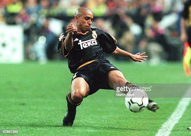LEAGUE 99/00 Finale Paris/FRA REAL MADRID FC VALENCIA 30 Roberto CARLOS/REAL