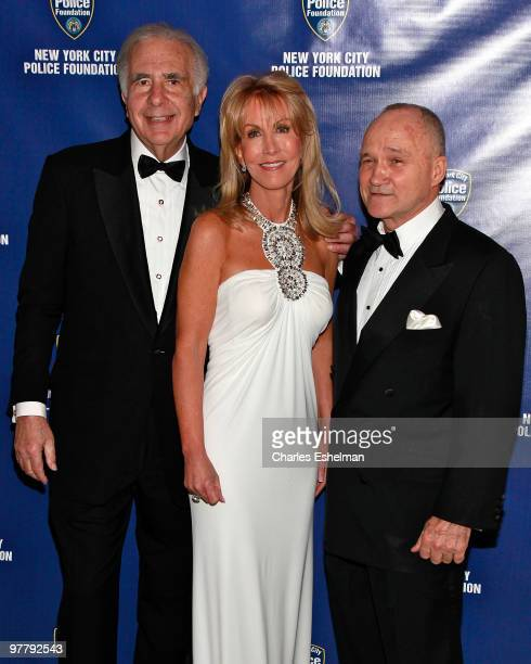 Financier Carl Icahn Gail Icahn and New York City police commissioner Ray Kelly attend the 32nd Annual New York City Police Foundation Gala at The...