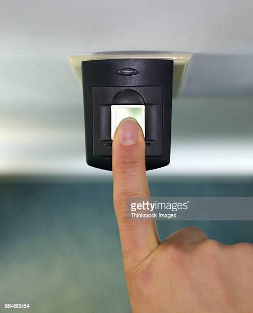 Finger on security scanner