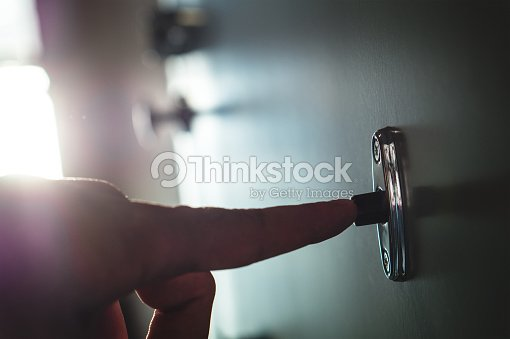 http://media.gettyimages.com/photos/finger-pressing-doorbell-in-apartment-building-corridor-close-up-of-picture-id697909484?s=170667a&w=1007