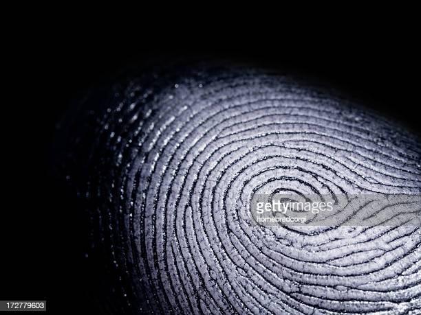 Impronte digitali su nero