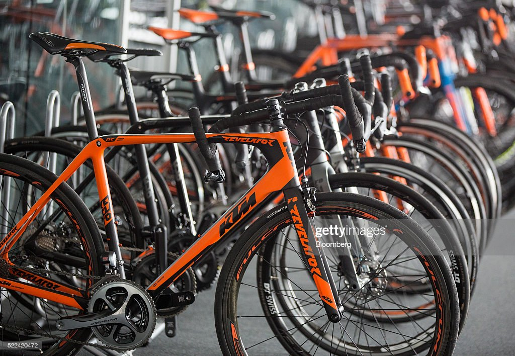 e bicycle manufacture at ktm fahrrad gmbh getty images. Black Bedroom Furniture Sets. Home Design Ideas