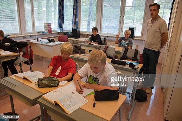 Finland Turku Turku Waeinoe Aaltosen koulu maths lesson