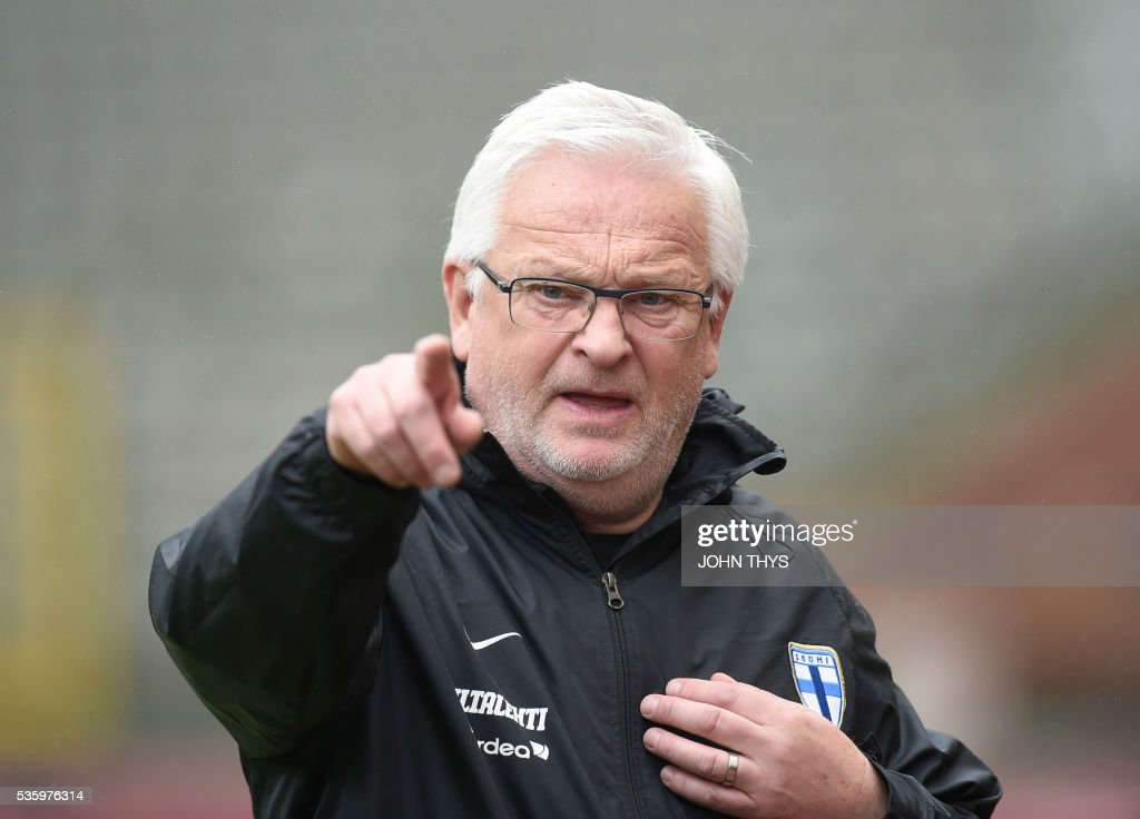 Finland's head coach Hans Backe gestures during a training session on the eve of the friendly football match between Belgium and Finland on May 31, 2016, in Brussels. / AFP / BELGA / JOHN THYS / Belgium OUT