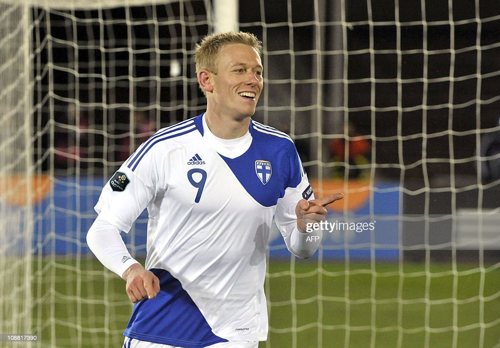 Finland's Mikael Forssell celebrates after scoring his third goal during their European Championships 2012 qualifying football match against San Marino, in Helsinki on November 17, 2010. AFP PHOTO/LEHTIKUVA / Kimmo Mantyla