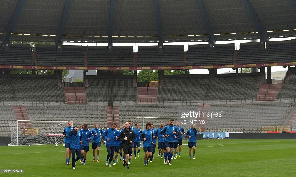 Finland's players attend a training session of the Finnish national soccer team on the eve of the friendly football match Finland vs Belgium, on May 31, 2016 in Brussels. The Belgian team is preparing for the upcoming Euro 2016 UEFA European Football Championships in France. / AFP / Belga / JOHN THYS / Belgium OUT