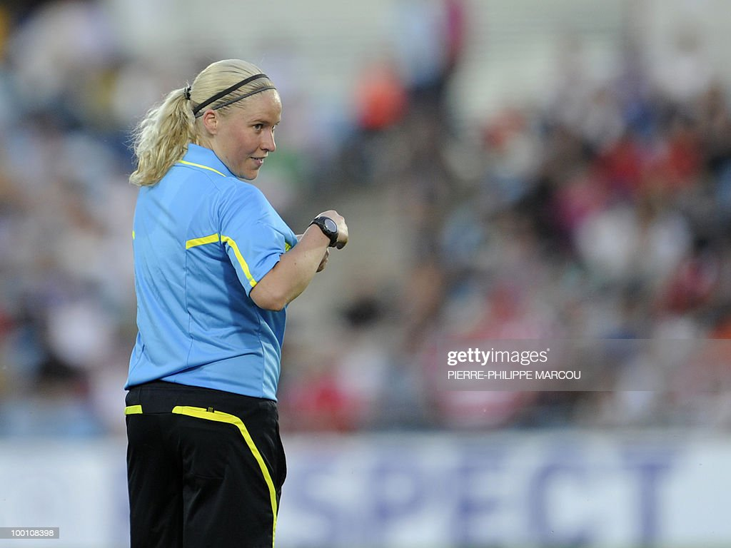 Finland's referee Kirsi Heikkinen looks on during the UEFA women's final Champions League football match between FFC Turbine Potsdam and Olympique Lyonnais at Coliseum Alfonso Pérez on May 20, 2010 in Getafe.