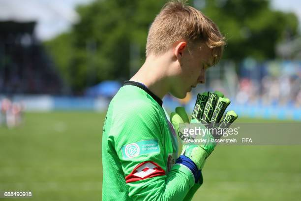 Finn Dahmen keeper of Mainz 05 prepares for a penalty against Santa Fe duirng the penalty shot out af the match between Santa fe and Mainz 05 on day...