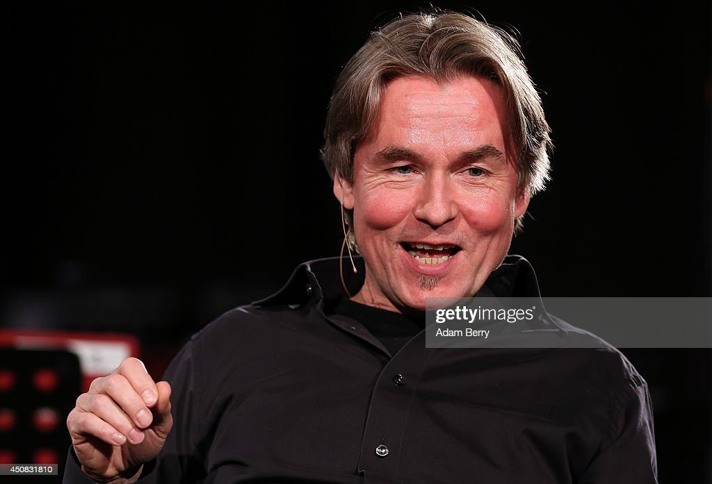 Finnish conductor and composer <a gi-track='captionPersonalityLinkClicked' href=/galleries/search?phrase=Esa-Pekka+Salonen&family=editorial&specificpeople=3141979 ng-click='$event.stopPropagation()'>Esa-Pekka Salonen</a> speaks at the Apple Store on June 18, 2014 in Berlin, Germany.
