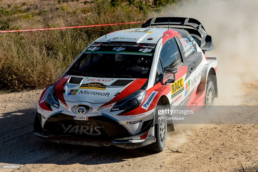 Finnish driver and co-driver Juho Hanninen and Kaj Lindstrom steer their Toyota Yaris WRC during the 53rd 'Rally de Catalunya' in Vilalba Dels Arcs on October 6, 2017. / AFP PHOTO / Josep LAGO