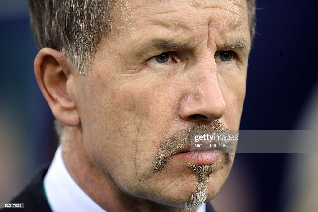 Finnland's trainer Stuart Baxter looks on during the 2010 World Cup qualifier match Germany vs Finland in the northern German city of Hamburg on...