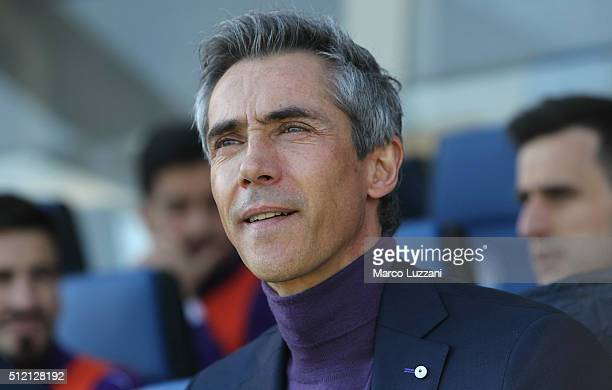 Fiorentina coach Paulo Sousa looks on before the Serie A match between Atalanta BC and ACF Fiorentina at Stadio Atleti Azzurri d'Italia on February...