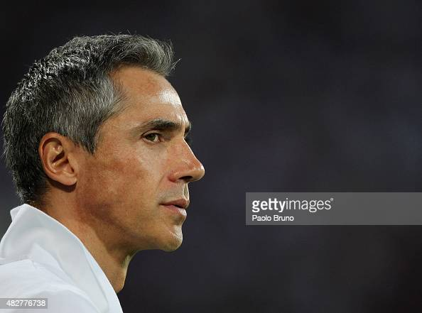 Fiorentina head coach Paulo Sousa looks on during the preseason friendly match between ACF Fiorentina and FC Barcelona at Artemio Franchi on August 2...
