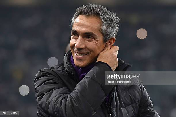 Fiorentina head coach Paulo Sousa looks on during the Serie A match betweeen Juventus FC and ACF Fiorentina at Juventus Arena on December 13 2015 in...