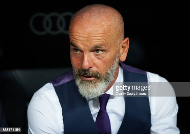 Fiorentina manager Stefano Pioli looks on prior the Trofeo Santiago Bernabeu match between Real Madrid and ACF Fiorentina at Estadio Santiago...
