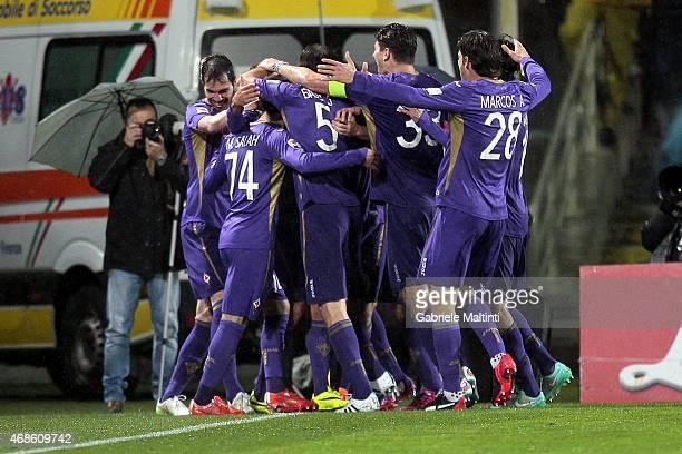 Fiorentina players celebrate a goal scored by Alessandro Diamanti during the Serie A match between ACF Fiorentina and UC Sampdoria at Stadio Artemio...