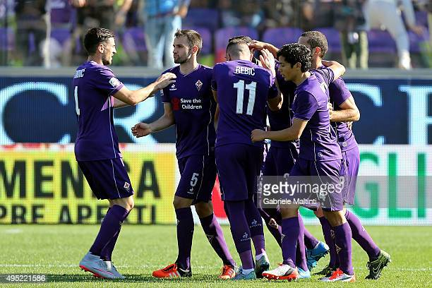 Fiorentina players celebrate a goal scored by Khouma Babacar during the Serie A match between ACF Fiorentina and Frosinone Calcio at Stadio Artemio...